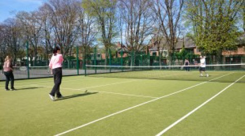 (b)Tennis for Improvers at Herbert Park